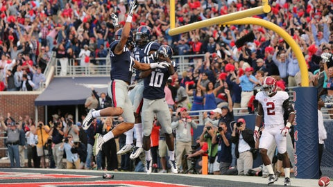 Bo Wallace hits Vince Sanders for a touchdown
