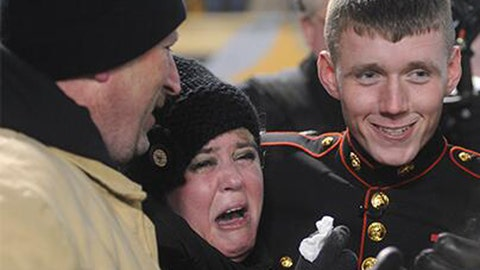 Steelers set up surprise for Marine's family