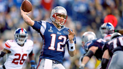 Most consecutive completions in a game — 16