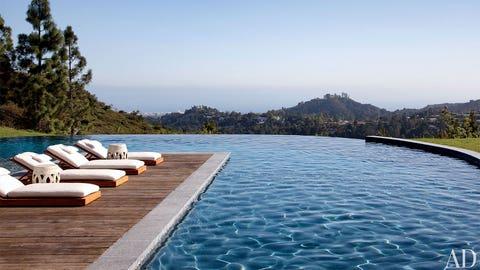 Wow, nice pool view (gulp)