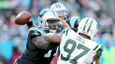 Carolina: Left tackle Byron Bell