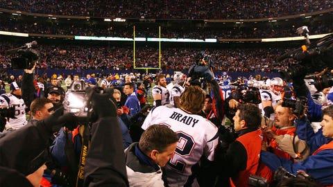 Brady makes history, and so do the Pats