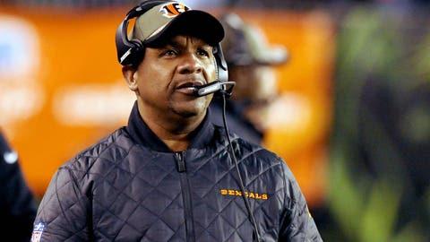 Cincinnati offensive coordinator Hue Jackson