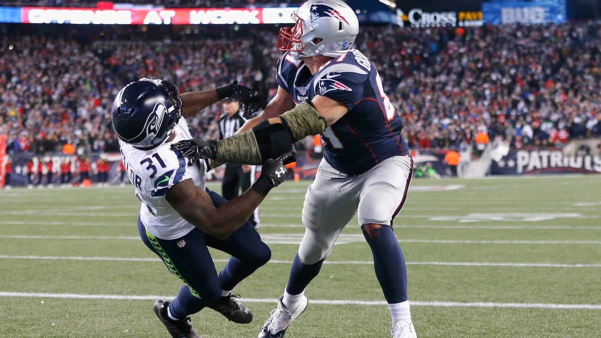 Patriots TE Rob Gronkowski may have suffered a punctured lung on Sunday night.