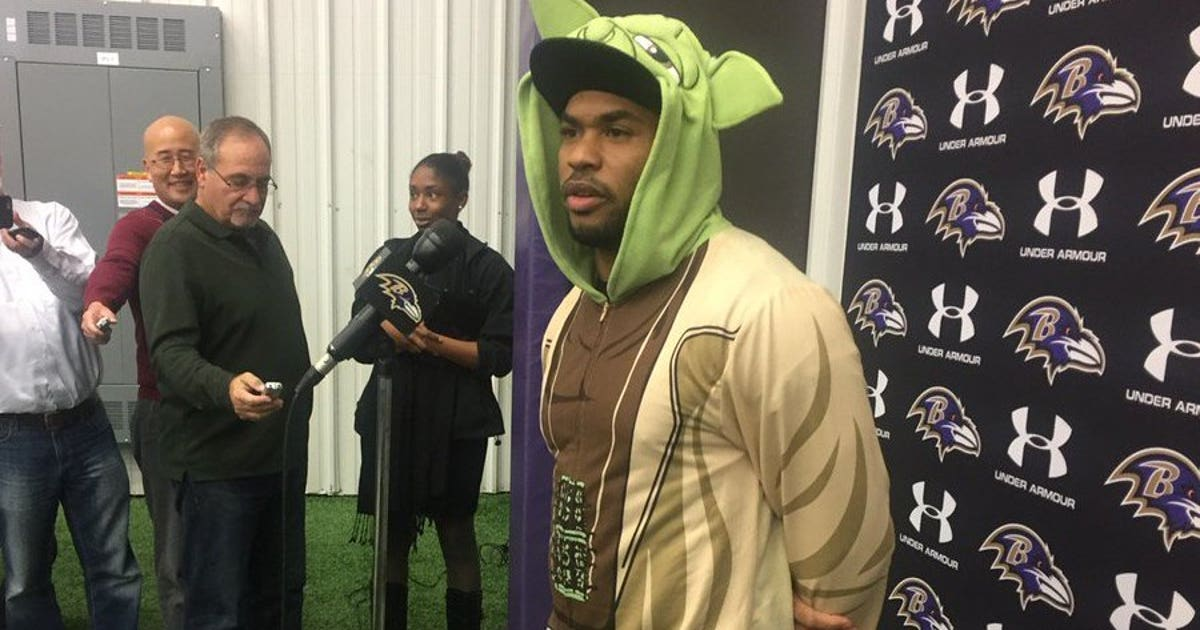 Ravens Wr Steve Smith Shows Up To Press Conference Wearing