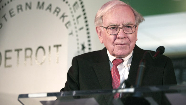 Warren Buffett offers employees $1M a year for life for correctly picking NCAA Sweet 16