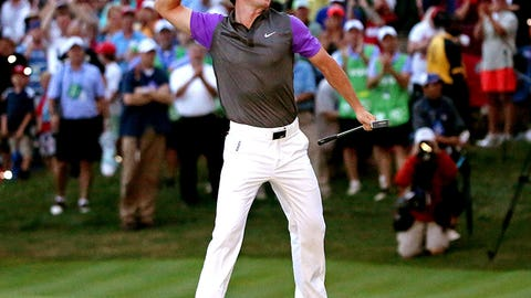 Aug. 10: McIlroy holds off Mickelson (PGA Championship final round)