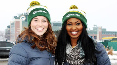 Take me to Titletown: Sage & Bishara are excited to be in Green Bay!