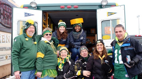 Tailgating in style! Sage & Bishara checked out Lambeau Rescue – a tailgating ambulance.