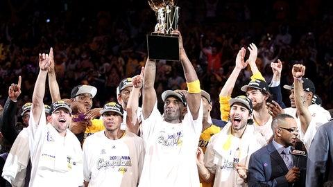 Kobe Bryant reconsiders retirement to pursue that elusive sixth ring