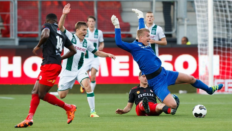 Watch this Dutch league match descend into utter, delightful chaos