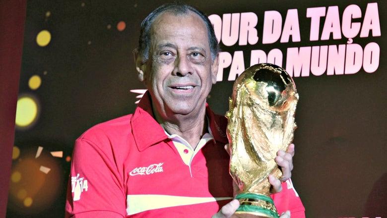 Brazil legend Carlos Alberto Torres dies at age 72