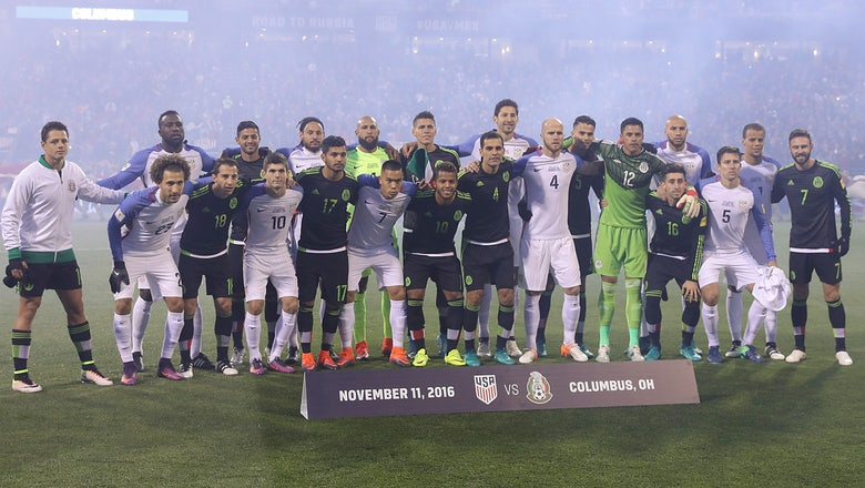 After Trump's election, USA, Mexico players display unity with pregame photo