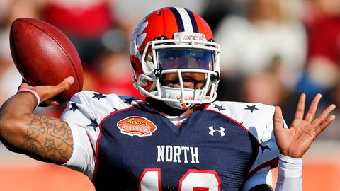 Jan 25, 2014; Mobile, AL, USA; North squad quarterback Tajh Boyd of Clemson (10) throws against the South squad during the first half of a game at Ladd-Peebles Stadium. Mandatory Credit: Derick E. Hingle-USA TODAY Sports