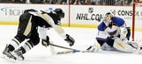 Blues score late goal to beat Penguins