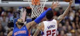 Clippers handle Pistons