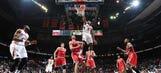 Hawks hold off Bucks