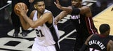 Spurs lackluster 2nd half leads to Game 2 loss