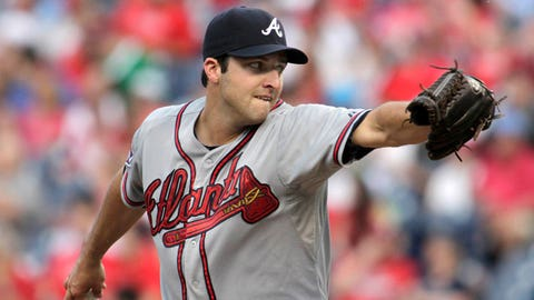 Atlanta Braves starting pitcher David Hale throws against the Philadelphia Phillies in the first inning of the second game of a baseball double-header Saturday, June 28, 2014, in Philadelphia.  (AP Photo/H. Rumph Jr)