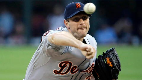 Detroit Tigers starter Max Scherzer throws against the Chicago White Sox during the first inning of a baseball game in Chicago, Thursday, June 12, 2014. (AP Photo/Nam Y. Huh)