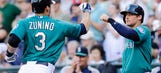 Iwakuma, Mariners blank Twins