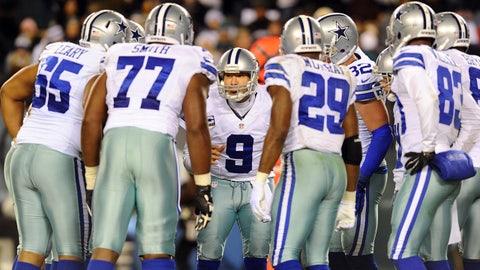 Dec 14, 2014; Philadelphia, PA, USA; Dallas Cowboys quarterback Tony Romo (9) in the huddle against the Philadelphia Eagles at Lincoln Financial Field. Mandatory Credit: Eric Hartline-USA TODAY Sports