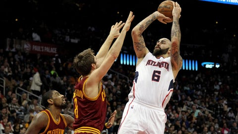 Dec 30, 2014; Atlanta, GA, USA; Atlanta Hawks forward Pero Antic (6) shoots the ball against the Cleveland Cavaliers in the third quarter at Philips Arena. Mandatory Credit: Brett Davis-USA TODAY Sports