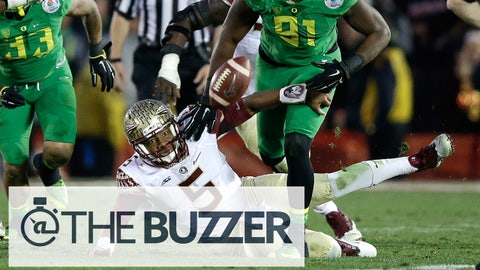 PASADENA, CA - JANUARY 01:  Linebacker Tony Washington #91 of the Oregon Ducks goes to recover a fumble by quarterback Jameis Winston #5 of the Florida State Seminoles for a 58-yard touchdown in the third quarter of the College Football Playoff Semifinal at the Rose Bowl Game presented by Northwestern Mutual at the Rose Bowl on January 1, 2015 in Pasadena, California.  (Photo by Ezra Shaw/Getty Images)