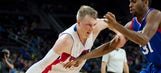 Singler helps Pistons rout 76ers