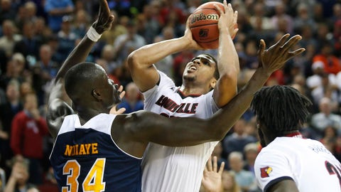 March 20, 2015; Seattle, WA, USA; Louisville Cardinals guard/forward Wayne Blackshear (25) moves to the basket against UC Irvine Anteaters center Mamadou Ndiaye (34) during the second half of the second round of the 2015 NCAA Tournament at KeyArena. Mandatory Credit: Joe Nicholson-USA TODAY Sports