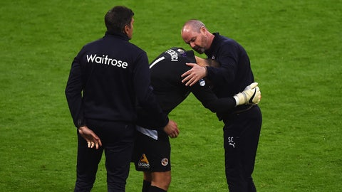 LONDON, ENGLAND - APRIL 18:  Adam Federici of Reading (C) is consoled by Steve Clarke, manager of Reading, (R) after the team lost the FA Cup Semi-Final match between Arsenal and Reading at Wembley Stadium on April 18, 2015 in London, England.  (Photo by Christopher Lee - The FA/The FA via Getty Images)