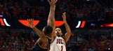 Derrick Rose hits buzzer-beater for Game 3 win