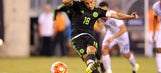 Mexico moves on to Gold Cup semifinal after controversial penalty