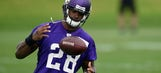 Peterson guaranteed at least $20M in new deal with Vikings