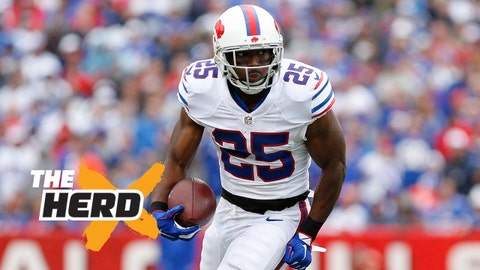 Sep 13, 2015; Orchard Park, NY, USA; Buffalo Bills running back LeSean McCoy (25) runs with the ball during the first half against the Indianapolis Colts at Ralph Wilson Stadium. Mandatory Credit: Kevin Hoffman-USA TODAY Sports