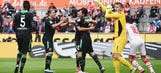 Andreasen's controversial goal gives Hannover 1-0 lead vs. Koln | 2015–16 Bundesliga Highlights