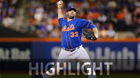 NEW YORK, NY - OCTOBER 12:  Matt Harvey #33 of the New York Mets pitches during Game 3 of the NLDS against the Los Angeles Dodgers at Citi Field on Monday, October 12, 2015 in the Queens borough of New York City. (Photo by Alex Trautwig/MLB Photos via Getty Images) *** Local Caption)