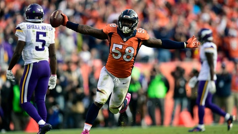 DENVER, CO - OCTOBER 4: Von Miller (58) of the Denver Broncos celebrates recovering a fumble by Teddy Bridgewater (5) of the Minnesota Vikings to end the game. The Denver Broncos played the Minnesota Vikings at Sports Authority Field at Mile High in Denver, CO on October 4, 2015. (Photo by AAron Ontiveroz/The Denver Post via Getty Images)