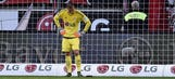 Bernd Leno incredible error gives Augsburg 1-0 lead – 2015–16 Bundesliga Highlights