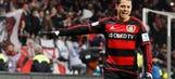 Chicharito nets brace against Hannover 96   2015–16 Bundesliga Highlights