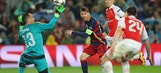 Messi chips the keeper to make it 5-1 on aggregate | 2015–16 UEFA Champions League Highlights
