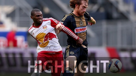 HARRISON, NJ - JULY 21:  Anthony Wallace #6 of the New York Red Bulls and Fernando Aristeguieta #18 of the Philadelphia Union fight for the ball during the U.S. Open Cup at Red Bull Arena on July 21, 2015 in Harrison, New Jersey.The Philadelphia Union defeated the New York Red Bulls 2-1 in an overtime shootout.  (Photo by Elsa/Getty Images)