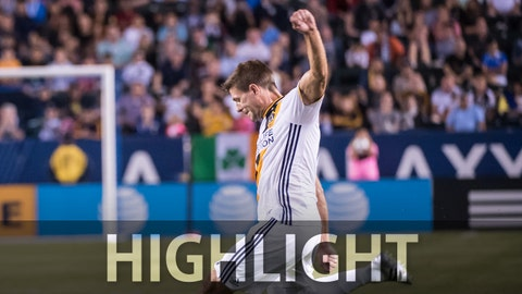 CARSON, CA - JUNE 22:  Steven Gerrard #8 of Los Angeles Galaxy takes a free kick during Los Angeles Galaxy's MLS match against Colorado Rapids at the StubHub Center on June 22, 2016 in Carson, California.  The match ended in a 0-0 tie (Photo by Shaun Clark/Getty Images)