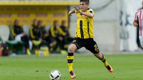 Christian Pulisic, left wing