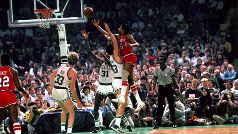 Philadelphia 76ers: Julius Erving