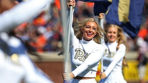 Pitt cheerleaders
