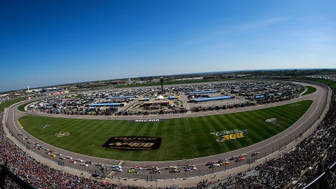 Best photos from the Hollywood Casino 400