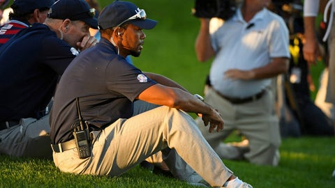 Tiger Woods took a seat ... again