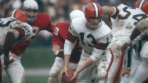 Cleveland Browns: Adding title-winning QB Frank Ryan