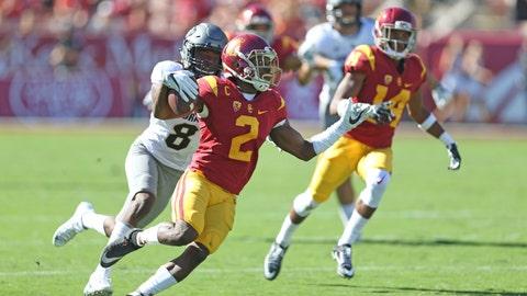 Adoree Jackson evades a tackler
